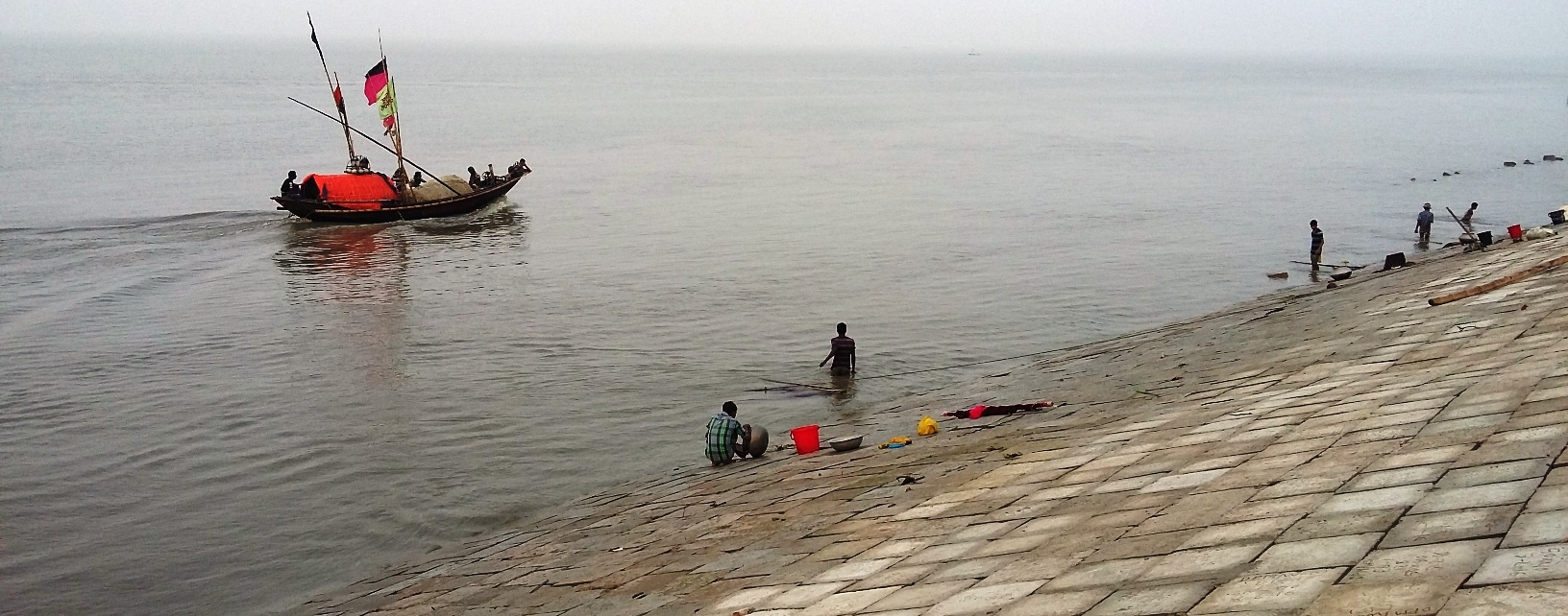 রামগতি উপজেলার আলেকজান্ডারস্থ মেঘনা বীচ