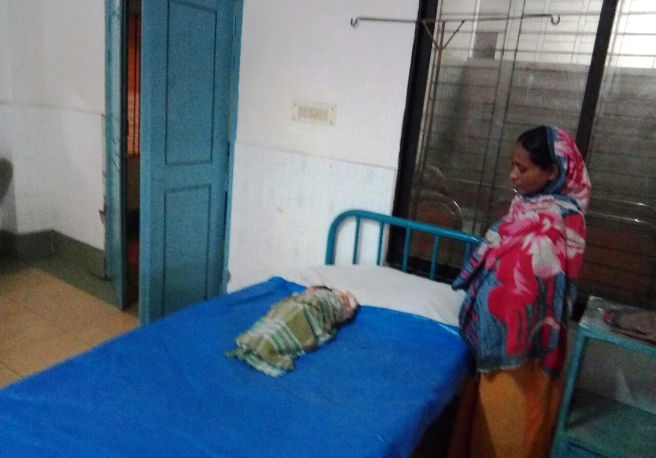 বুদ্ধি-প্রতিবন্ধি কুমারী রত্নার মাতৃত্ব
