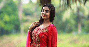 চিত্রনায়িকা নিঝুম রুবিনা