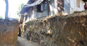 বান্দরবানে আস্তপাহাড় কর্তন: ৩কলোনীর ২০ পরিবার ক্ষতিগ্রস্ত হবে