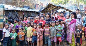 তীব্রশীতে বান্দরবানের সীমান্তে কাঁপছে রোহিংগা শিশুরা