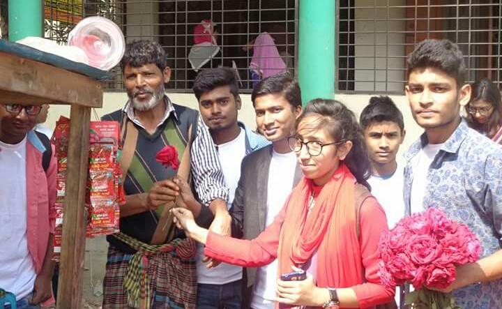 ভোলায় 'হেল্প এন্ড কেয়ার'র ব্যতিক্রমধর্মী ভালোবাসা বিনিময়