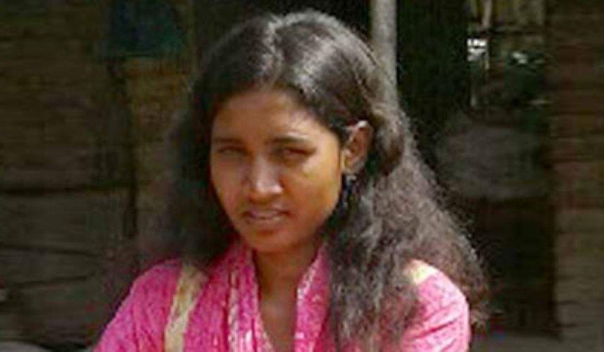 চিকিৎসার অভাবে শিকলবন্দি রাবি ছাত্রী
