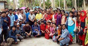 বাকৃবি'র শিক্ষার্থীদের পাইকগাছার গবেষণা কার্যক্রম, চিংড়ি ও কাঁকড়ার খামার পরিদর্শন