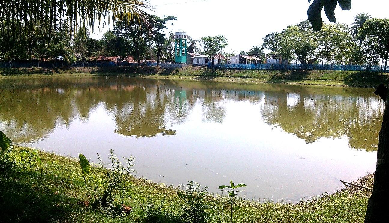 ২০ গ্রামের সূপেয় পানির উৎস্য পুকুর মাছ চাষে ইজারা
