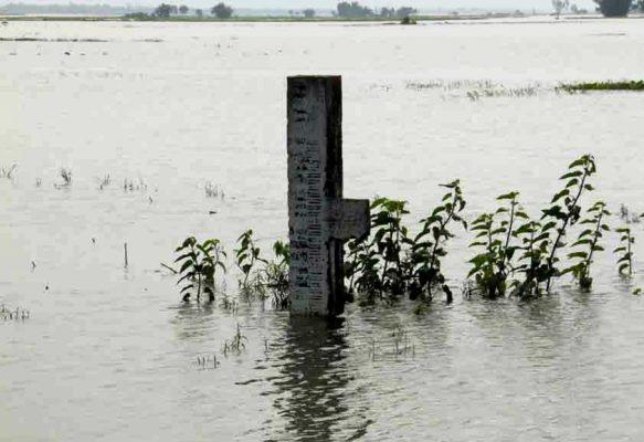 তিস্তা নদীর পানি বৃদ্ধি পেতে শুরু করেছে