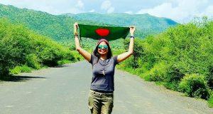 শততম দেশ ভ্রমণের রেকর্ড গড়লেন বাংলাদেশের নাজমুন নাহার