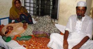 বিয়ের প্রস্তাবে রাজি না হওয়ায় লক্ষ্মীপুরে স্কুল শিক্ষিকাকে পিটিয়ে জখম