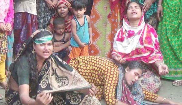 নীতে সড়ক দুর্ঘটনায় নিহত ৬ জনের গ্রামের বাড়ী  লক্ষ্মীপুরে চলছে শোকের মাতম