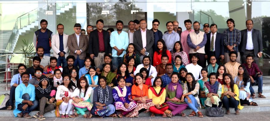 'বাংলাদেশ ভবন' পরিদর্শন ও বাংলাদেশী শিক্ষার্থীদের সাথে তথ্য মন্ত্রী