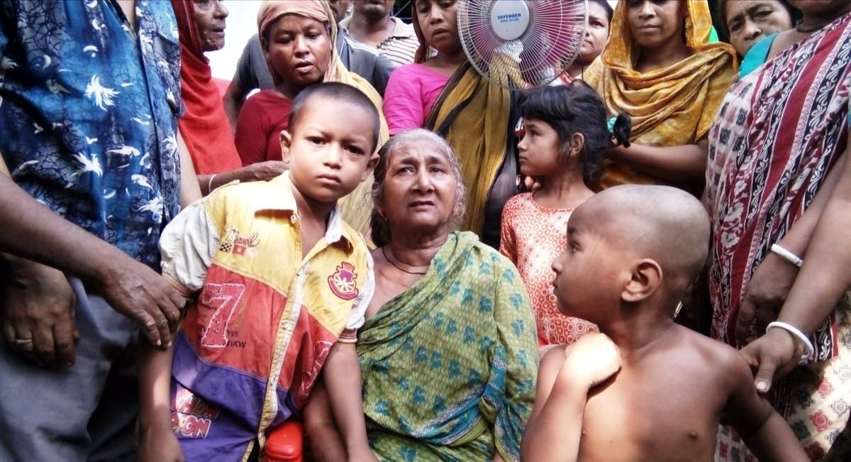 দুই শিশুকে পাচারের সময় রোহিঙ্গা নারী আটক